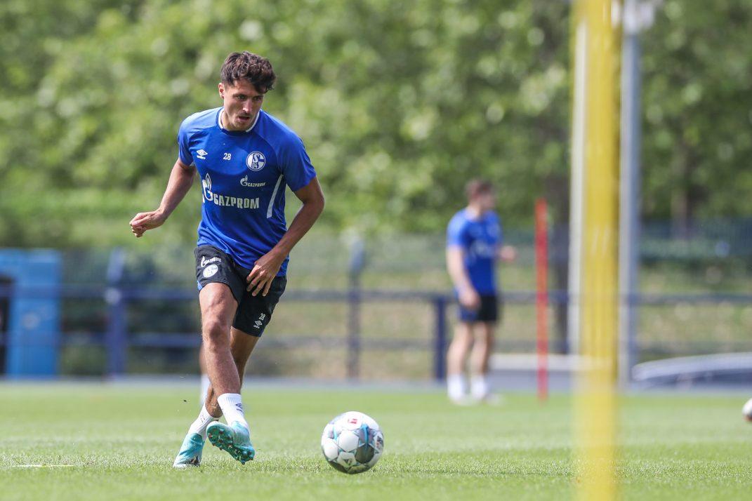 Alessandro Schöpf kommt mit Schalke 04 nach Längenfeld